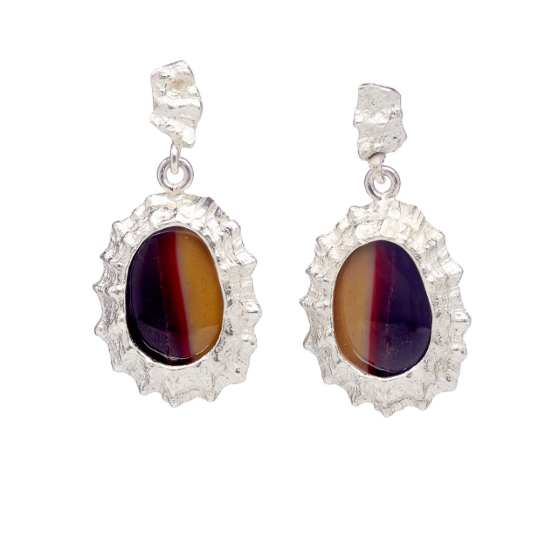 Earrings with Mookaite gem-stone set in a silver Limpet shell