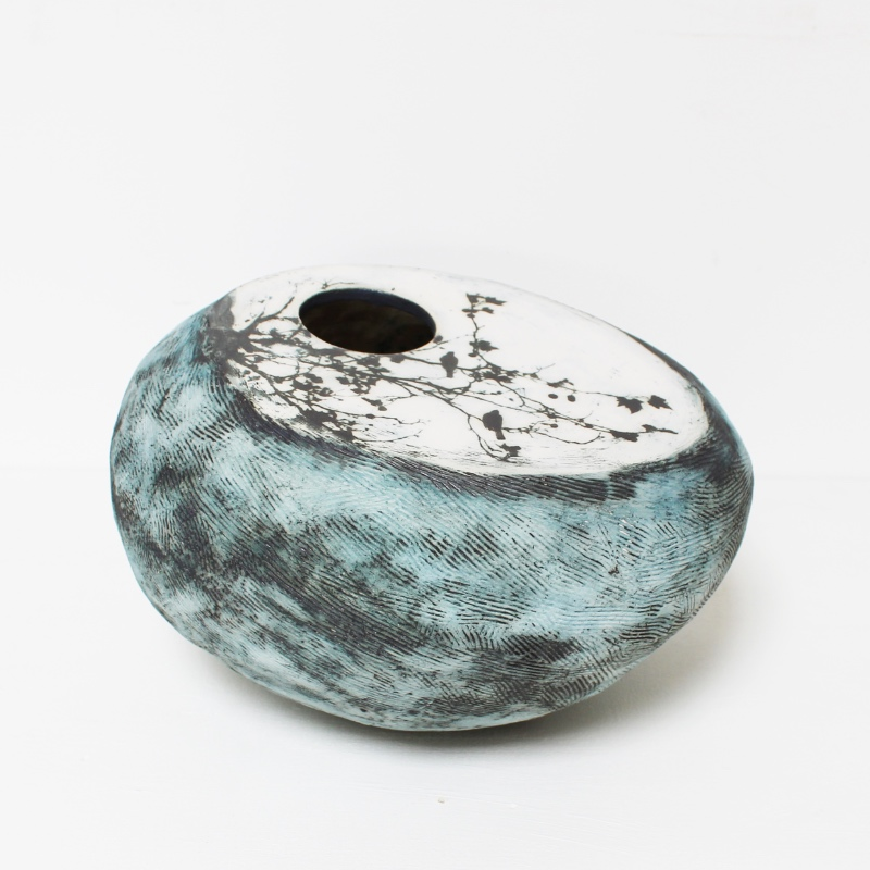 'Birds in the trees' pebble planter